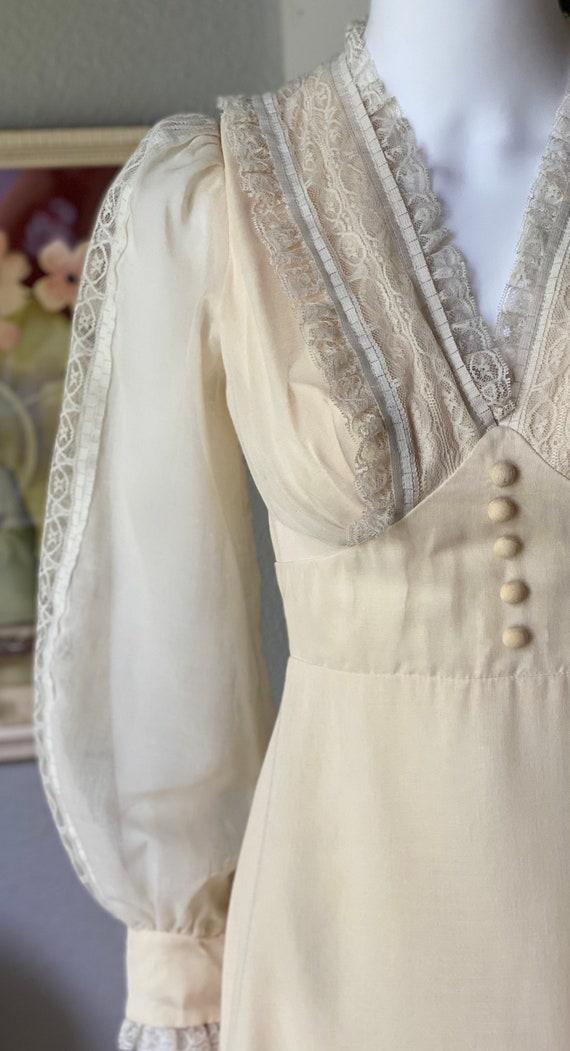 Vintage 1970's cream cotton prairie dress/Gunne S… - image 3