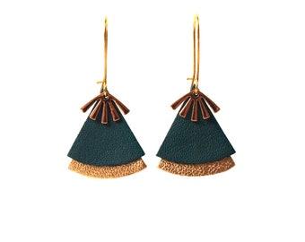 Emerald and gold green earrings, leather, fan shape - ethnic earrings model STELLA