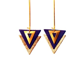 Earrings Navy blue leather and gold, blue leather triangles and brass lever - graphic jewelry - model PIAMA