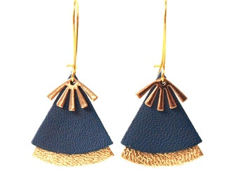 Duck blue leather earrings and gold stellar model
