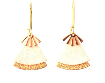 STELLA model white leather and brass earrings