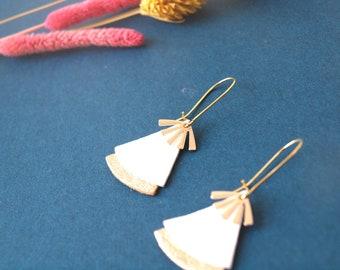White and gold leather fan earrings, gold brass - Japanese earrings - STELLA style ethnic earrings