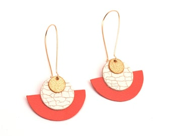 Ethnic earrings in white, coral and gold cracked leather - long geometric curls - women's gift - ÉLORA model