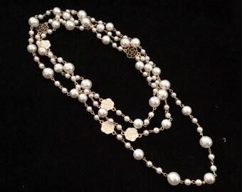 Superb sautoir necklace inspires haute couture camellia pearls Mallorca elegance à la française c.c multifunctional