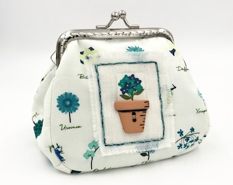 purse nature pattern , embroidered wallet , empty decorative pocket , home decoration , wallet clasp metal , handmade