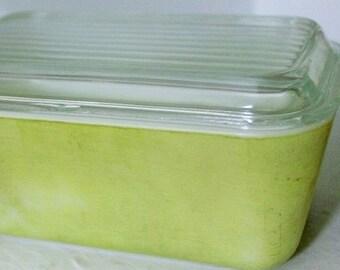 Lime Green Pyrex baking pan-Pyrex loaf pan-vintage pyrex-kitchen decor-vintage baking