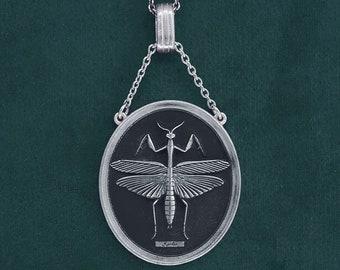 Praying mantis pendant, entomology antique style, in sterling silver | Mantis
