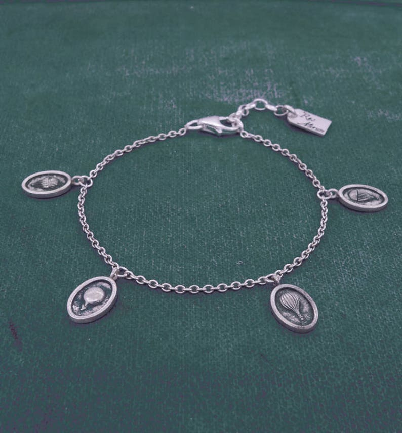 Le Martial sterling silver Fine chain bracelet with tiny hot-air balloons charms