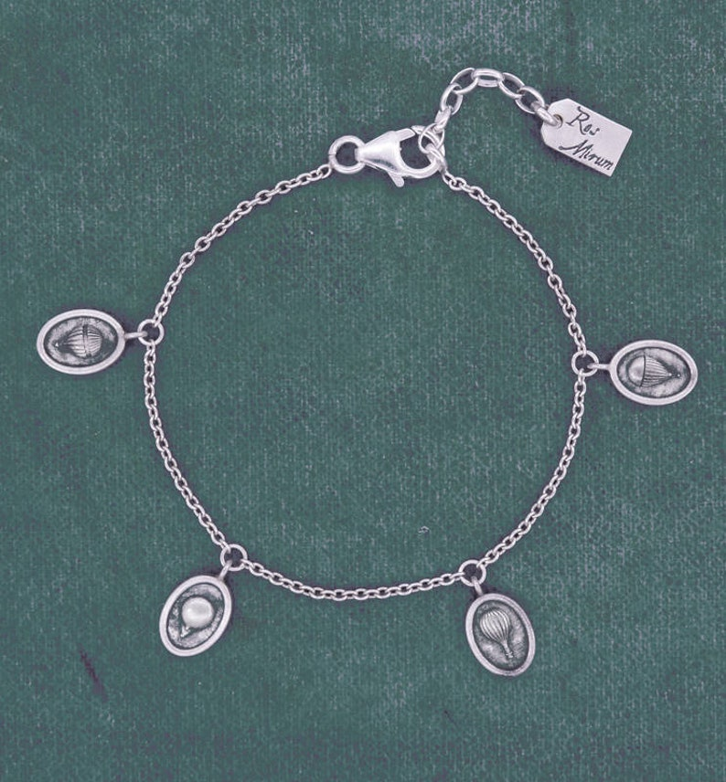 Fine chain bracelet with tiny hot-air balloons charms image 0
