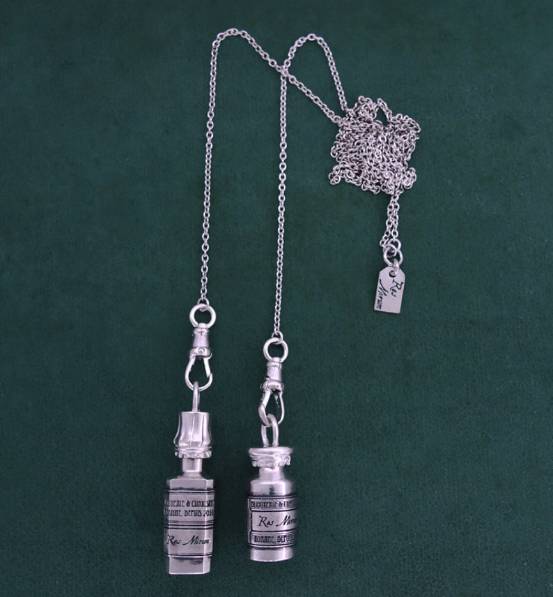 Long necklace with openable vials wicca poison silver  Hélichryse+Vératrine