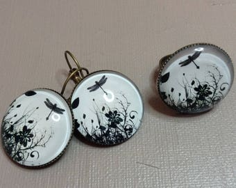 Great set earrings and black Dragonfly ring