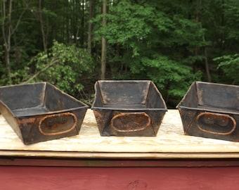 Primitive folding bread loaf pan,set of 3,rusty,distressed,patina,9x5,bread pan,handles,vintage bakeware,metal bread pans,rustic,farmhouse