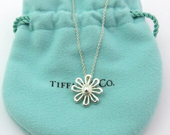 Authentic TIFFANY & CO Sterling Silver Daisy Flower Pendant Necklace