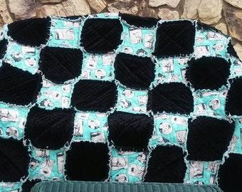 Elvis Presley Throw Blanket/Novelty/ Quilt/ Gift/ 1950s/ RocknRoll/ blankets/ ragged Quilt/ ragged. Blanket