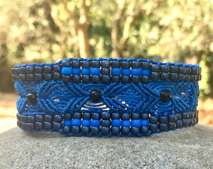 L'Aptésien : bracelet bohème pour femme bleu MIA PROVENCE en micro-macramé, boho chic, cool chic
