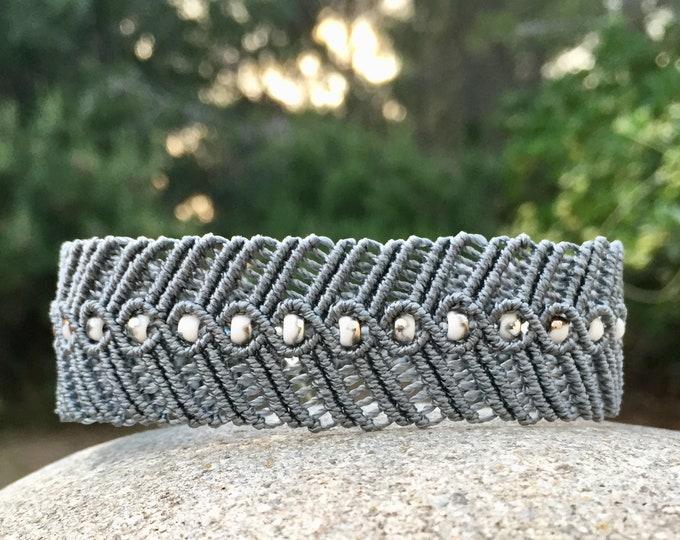 Bracelet L'Estaque : bijou bohème en micro-macramé dentelle création MIA PROVENCE, boho chic, cool chic, bijou créateur