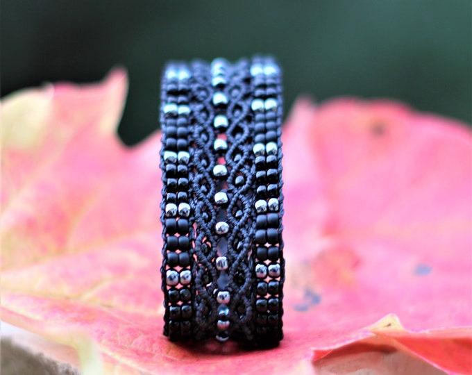 Bracelet Le Tropézien : bijou bohème pour femme en micro-macramé création exclusive MIA PROVENCE, boho chic, cool chic, bijou de créateur