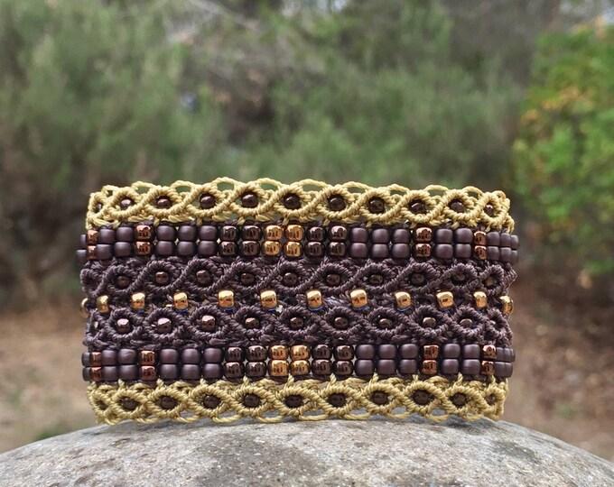 Manchette Le tropézien XL : bracelet bohème choco pour femme en micro-macramé création exclusive MIA PROVENCE, hippie chic, fantaisie chic