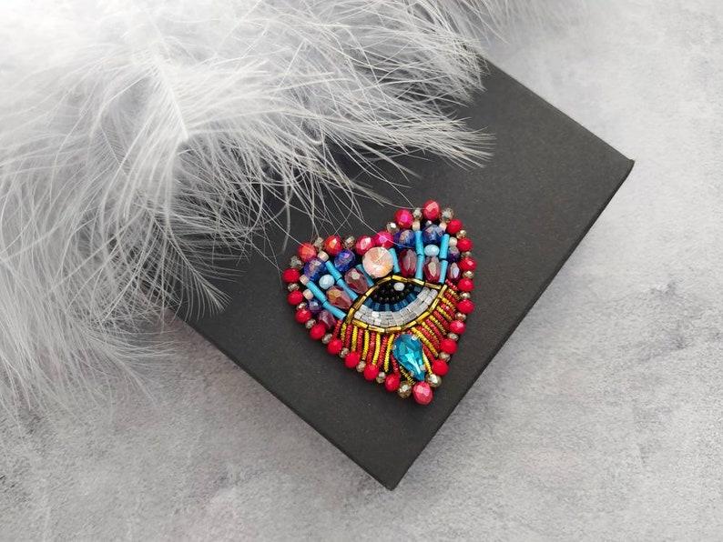 Heart brooch Evil heart eye brooch Heart shape Beaded Eye Amulet Evil eye brooch pin Talisman Gift for luck Evil eye jewellery