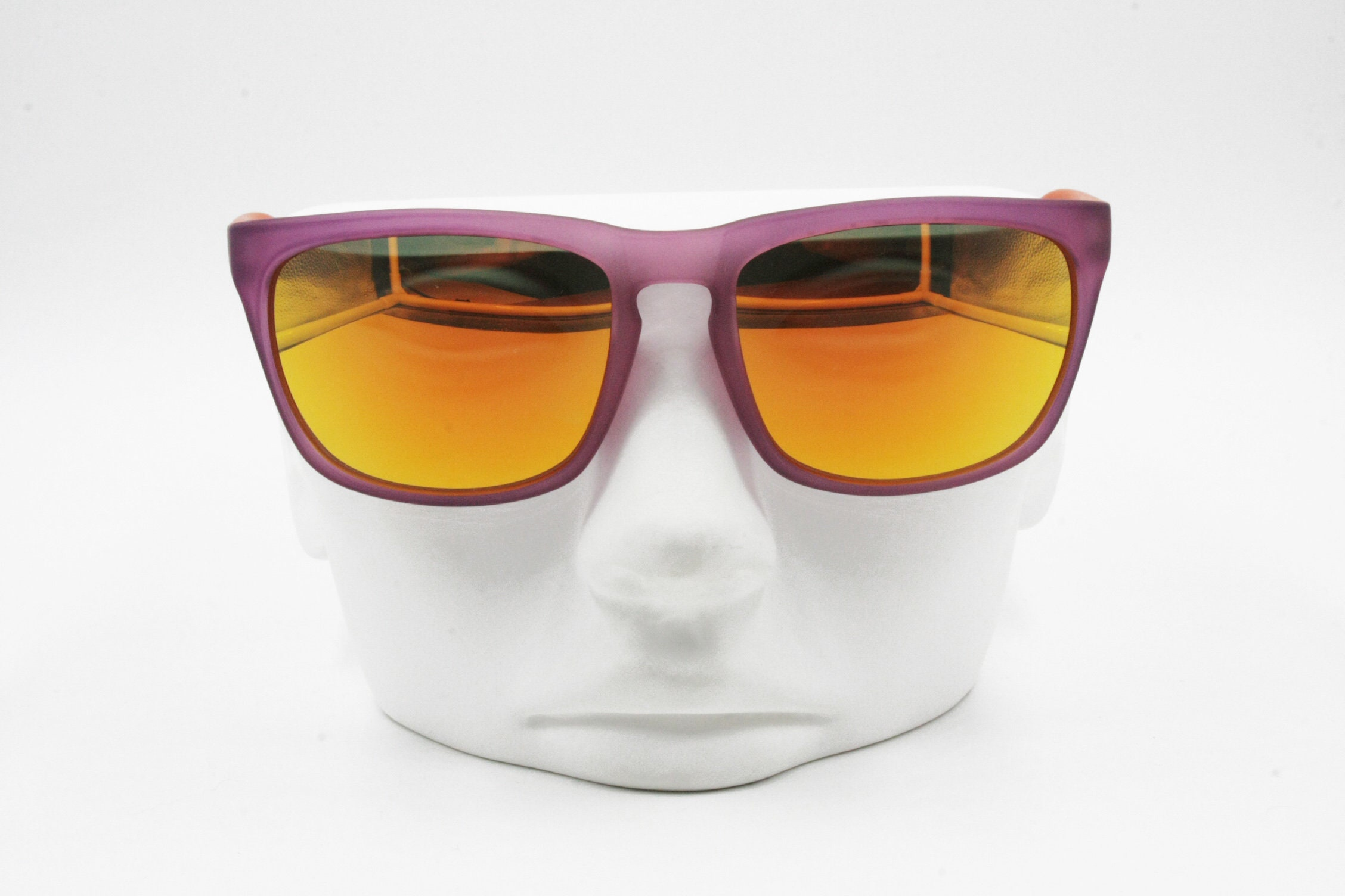 b8a18e7b57af United Colors of Benetton Sunglasses sporty sport with