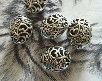 Set of 5 silver or bronze floral beads