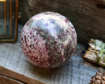 CRYSTAL BALLS / SPHERES