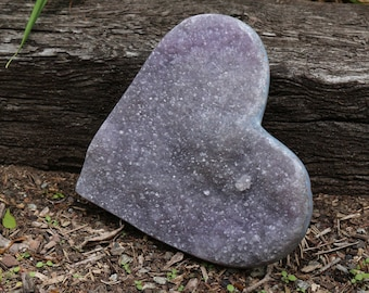 Dinner Plate sized Amethyst Heart ~ in an easel or lay it flat!