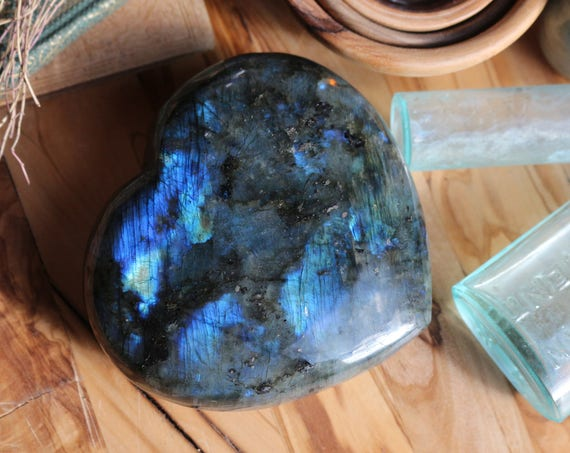 Large Labradorite Heart 1.43 lbs., Top Quality Labradorite, XL Heart Shaped Labradorite, Healing Crystals, Rainbow Crystal Heart, Valentines