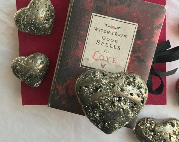 Large Pyrite Heart 215g, Pyrite Heart Shaped Stone, Heart Shaped Pyrite, Healing Crystals, Fools Gold Heart, Heart Shaped Pyrite, Gold Heart