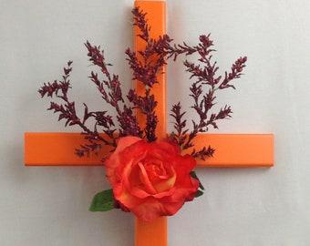 Memorial Cross// roadside cross// roadside memorial cross// grave site cross// cemetery cross// 551
