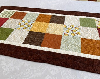 Fall Table Runner, Quilted Autumn Honeybees Bees Table Topper for Thanksgiving Home Decor