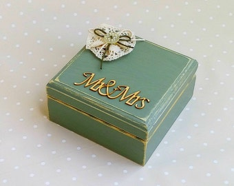 Rustic Wedding ring box, Wedding ring bearer box, Wood box Mr and Mrs, Jewelry small box, Lace flower, Wedding ring holder pillow Custom Box