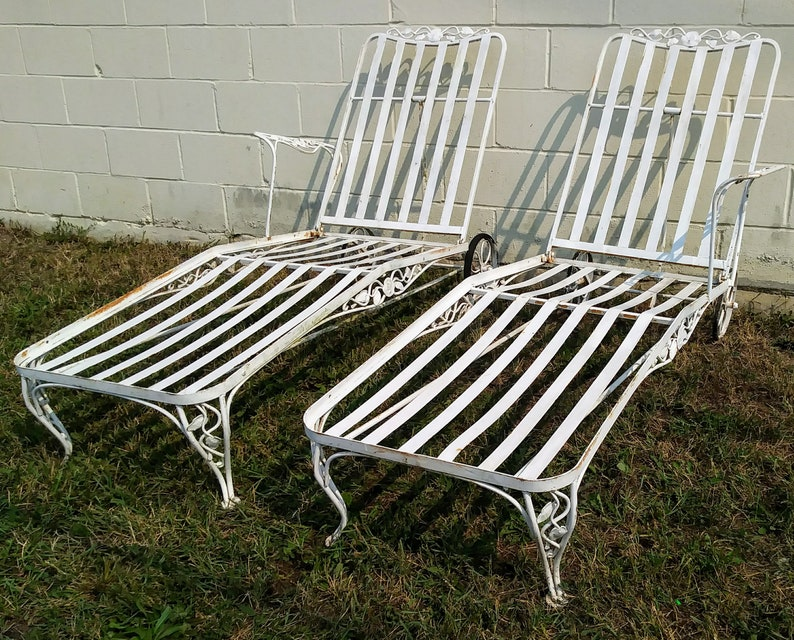 Terrific 2 Russell Woodard Wrought Iron Chaise Lounge Chairs Mid Century Squirreltailoven Fun Painted Chair Ideas Images Squirreltailovenorg