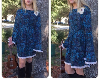 b35ee1b476 Repurposed paisley print Bell Sleeve dress-tea stained lace trim-doilie  button applique-summer dress-gypsy hippie dress-Sz M