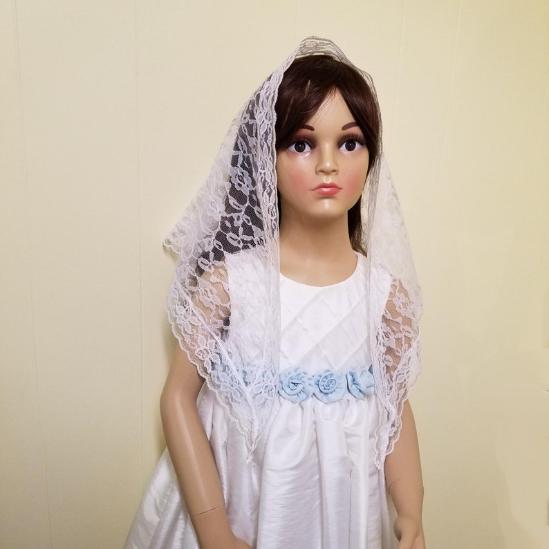 Girl's White Lace Mantilla Chapel Veil Large Triangle image 0