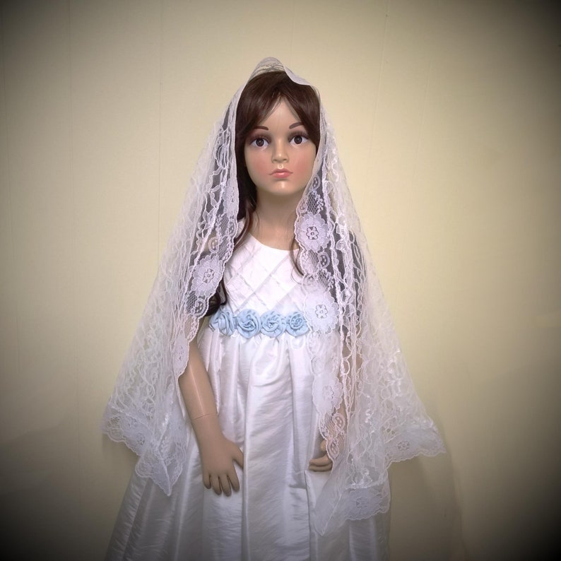 White Lace First Communion Veil  Quinceanera Mantilla Flower image 0
