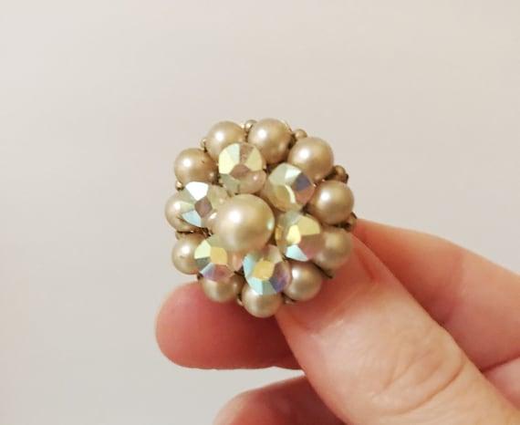 Vintage Marvella Pearl Aurora Borealis Round Clus… - image 2