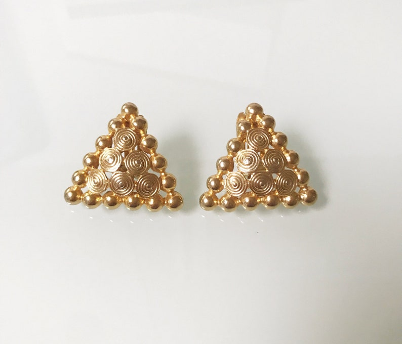 ad67cf3e886 Stunning Vintage Paolo Gucci Gold Chunky Triangle