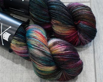 Canadian Hand-dyed yarn. 80/20 Superwash BFL/Nylon. 113g 400yards. Ready to Ship. Blue-Faced Leister. Nyan. Multicolored Rainbow and black