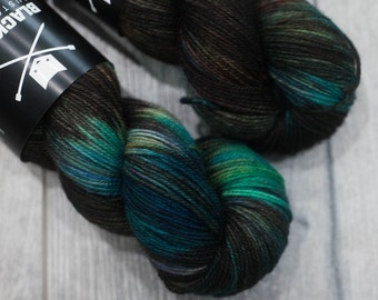 Canadian Hand-dyed yarn. 80/20 Superwash BFL/Nylon. 113g 400yards. Ready to Ship. Blue-Faced Leister. Terokkar