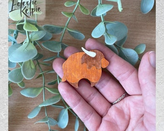 Hand-Painted Highland Cow Brooch/Fridge Magnet - Laser Cut Birch Wood - Scarf Pin Gift/Office Organisation - Cute, Contemporary & Stylised