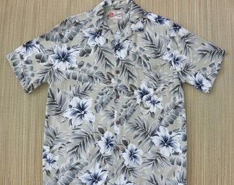a72eb1b531d9 Hawaiian Shirt HILO HATTIE Tropical Floral Print Aloha Shirt Mod Hibiscus  Flower Beach Comber Surfer Mens Camp - S - Oahu Lew's Shirt Shack