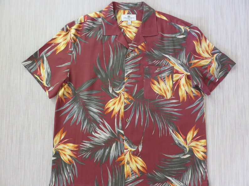 d5e24ef828 Hawaiian Shirt Men ISLAND SHORES Hawaii Aloha Shirt Tropical Bird Of  Paradise Floral Fantasy 100% Silk Camp - XL - Oahu Lew's Shirt Shack