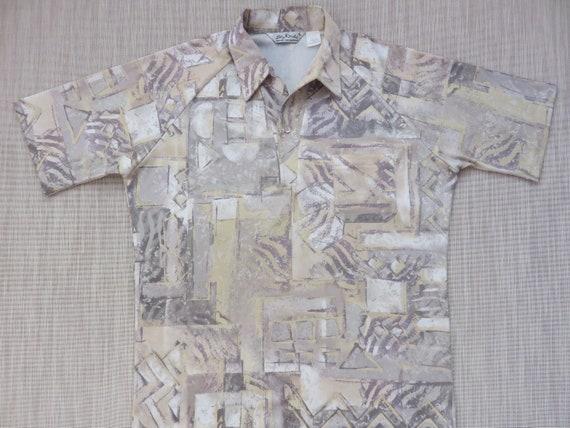 Vintage Dache USA 70s Men L Polo Yellow Geometric Party V-Neck Collar Shirt