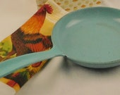 Vintage turquoise Prizer-Ware USA enameled cast iron skillet, CS-858. 1950s cookware for vintage kitchen display. Gift for foodie, cook. Old