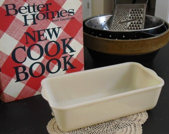 Vintage Fire King Loaf Pan, Ivory Deep Bread, Utility Dish, Glass Baking Dish, Vintage Bakeware, Ovenware, Milk Glass, Farmhouse, Country