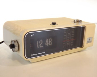 Radio Réveil Flip Flap National Panasonic. Electrique. Vintage. Old Clock.  Pendule. Heure. Réveil. Alarm Auer. Wekker. Väckarklocka. Sveglia