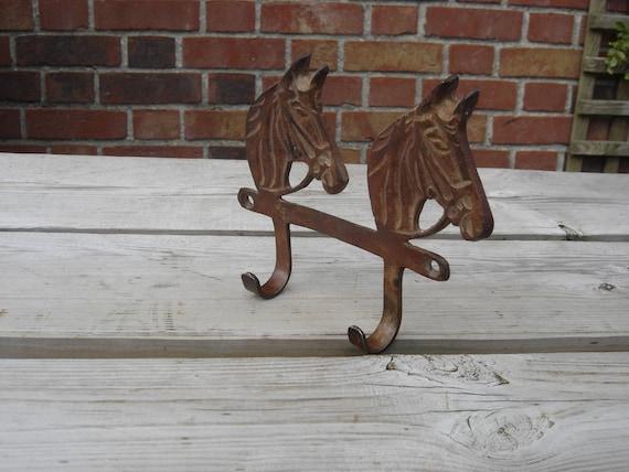 Porte torchons chevaux en métal / vintage France / décoration cuisine  campagnarde et naturelle / kitchen deco / horses