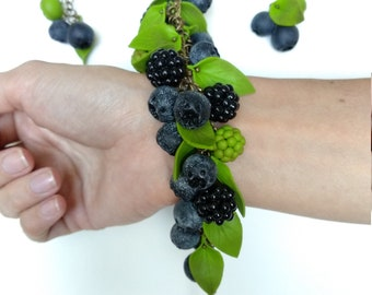 Bracelet and earrings with blueberries, blackberries and green leaves, Blackberry bracelet, Blueberry bracelet, Summer jewelry, Summer look