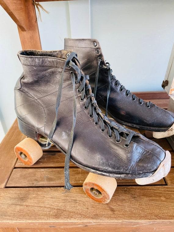 Vintage Mens Roller Derby Skates with Metal Carry